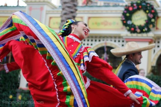 Disney, Viva Navidad! Dancer