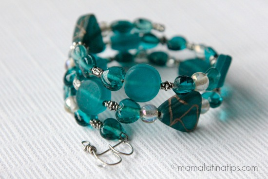 DIY Memory Bracelet by mamalatinatips.com