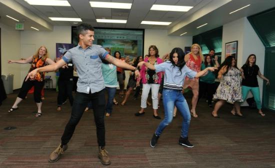 Dancing with Chrissie Fit and Jordan Fisher - Teen Beach 2 - mamalatinatips.com