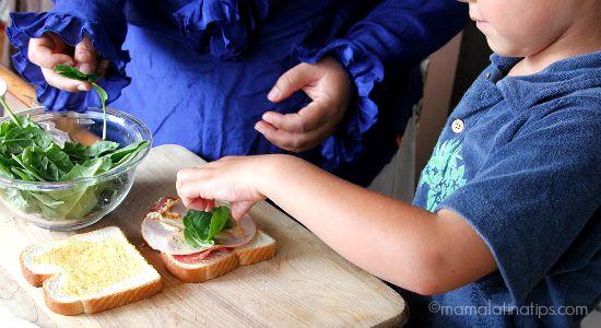 Making a sandwich - mamalatinatips.com