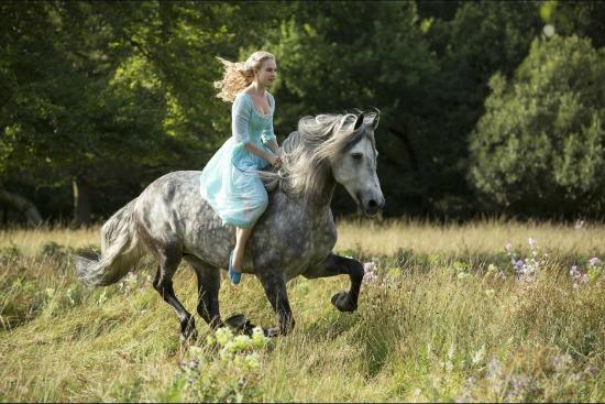 Cenicienta a caballo