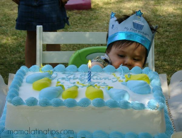 The first birthday party - mamalatinatips.com