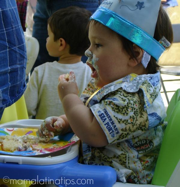 First Birthday cake - mamalatinatips.com
