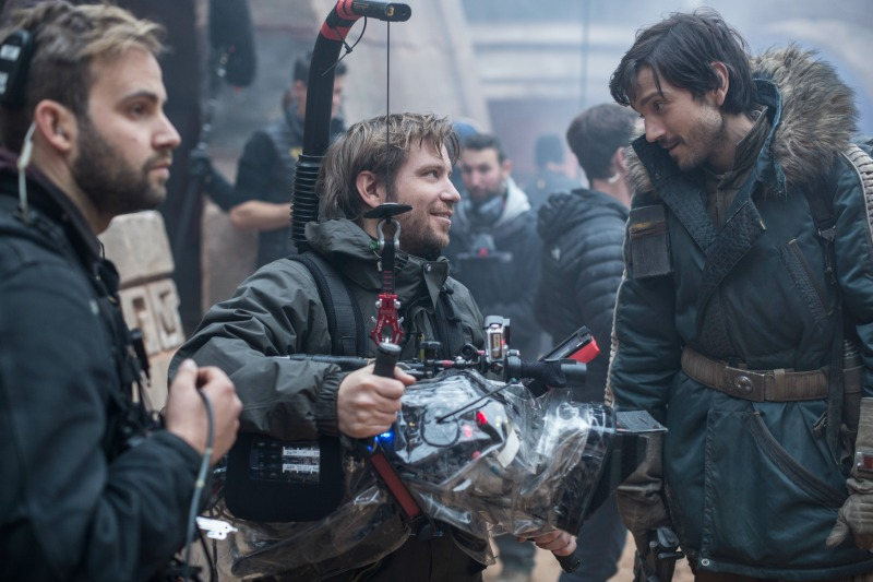 Rogue One Director Gareth Edwards with Mexican actor Diego Luna - mamalatinatips.com