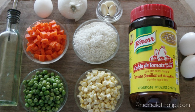 Ingredientes para el arroz rojo - mamalatinatips.com