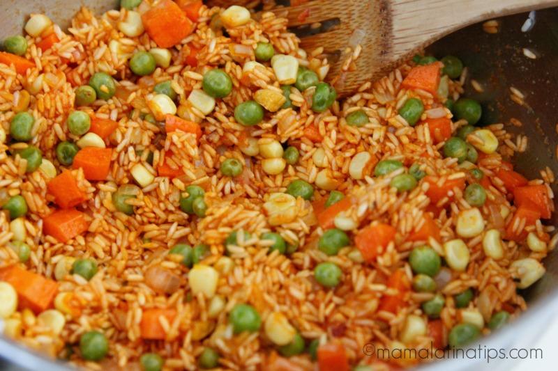 Arroz rojo verduras mamalatinatips mama latina tips - Arroz con verduras y costillas ...
