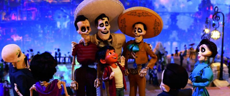 """Ernesto de la Cruz, Miguel, Jorge Negrete, Pedro Infante in Pixar """"Coco"""" - mamalatinatips.com"""